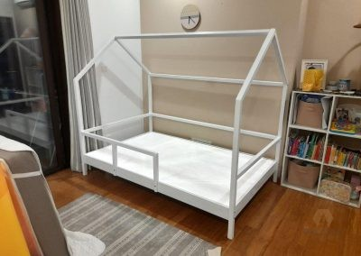 White Awesome Kids House bed, Made out of Mahogany