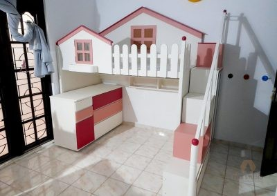 White elegant Kids Play House Bed, Study Space