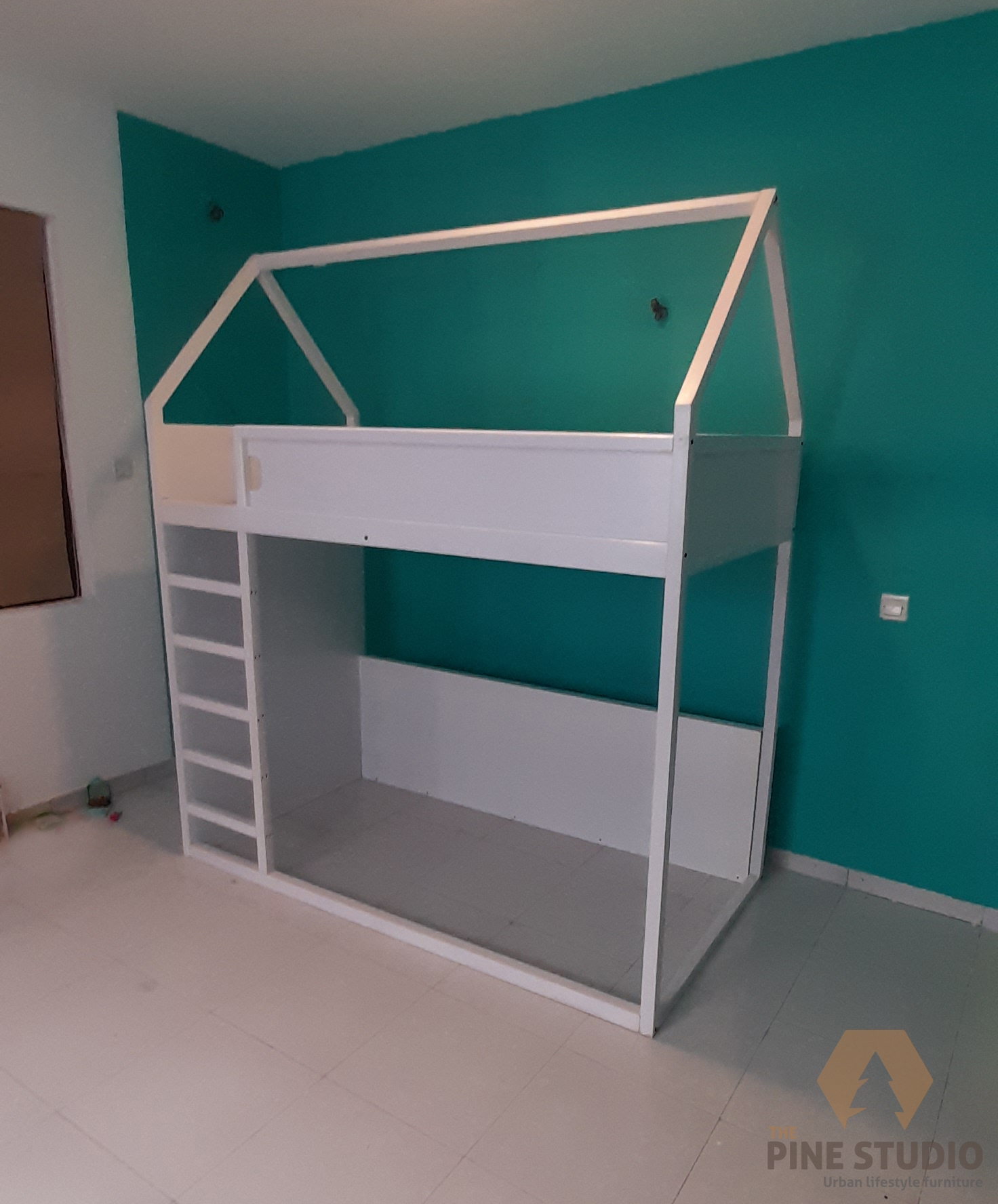 Kids House bed, White Bed, White furniture, kids play house, bunk bed, two bed, play bed, custom made in sri lanka